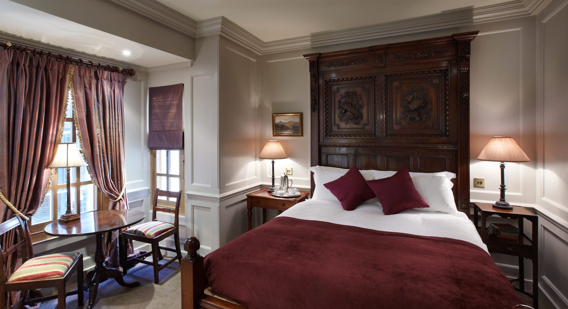 Club Double Sir William Ross Bedroom